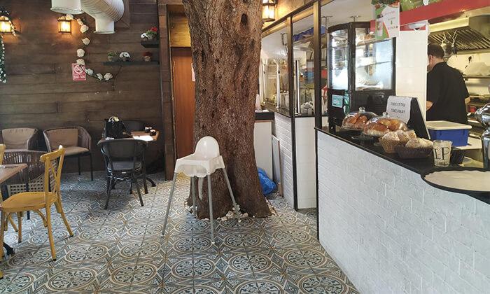 6 קפה היינה בכיכר היינה, חיפה - ארוחת בוקר זוגית