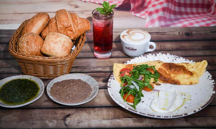 3 קפה היינה בכיכר היינה, חיפה - ארוחת בוקר זוגית