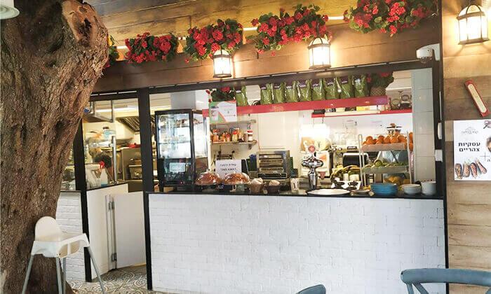7 ארוחת צהריים ליחיד או לזוג בקפה היינה, כיכר היינה חיפה