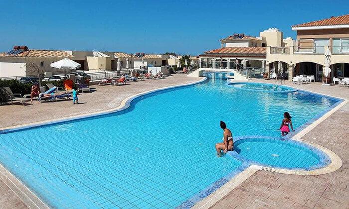 3 חבילת נופש בפאפוס, קפריסין - מלון Club StGeorge