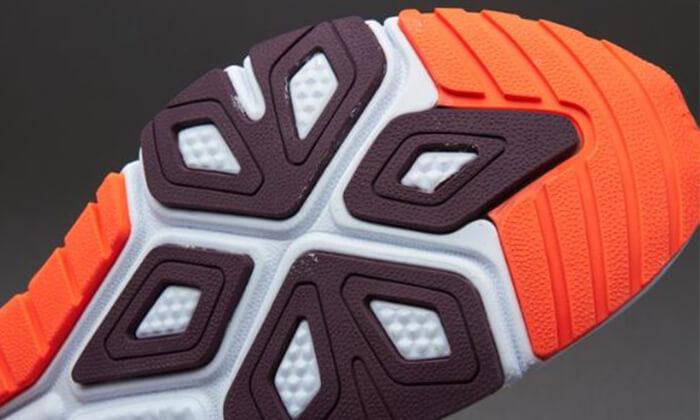 16 נעלי ריצה לגברים NEW BALANCE