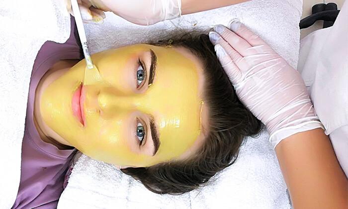 5 קליניקת O2 קוסמטיק ברמת גן - טיפולי פנים לבחירה