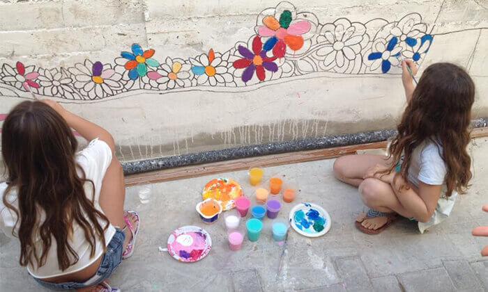 """4 סיור גרפיטי כולל סדנה לילדים בנווה צדק, ת""""א"""