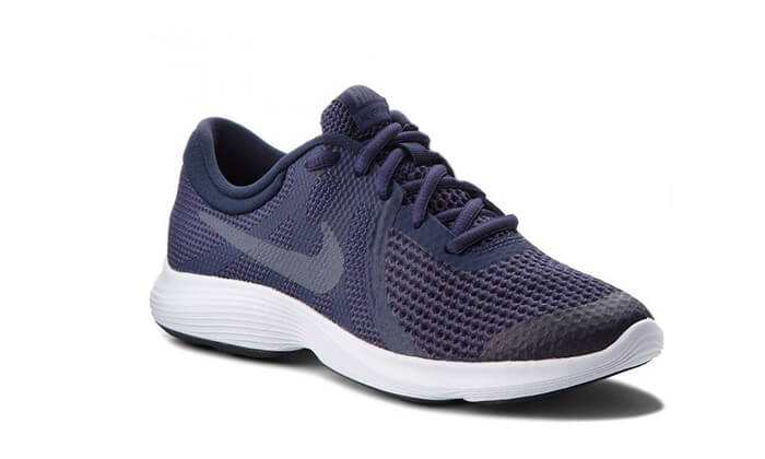 4 נעלי ריצה לנשים ולנוער NIKE