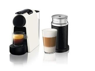 סט מכונת קפה נספרסו ומקציף