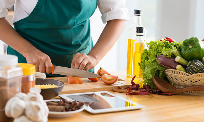 2 מבשלים באהבה - סדנאות בישול עם שף פרטי עד הבית