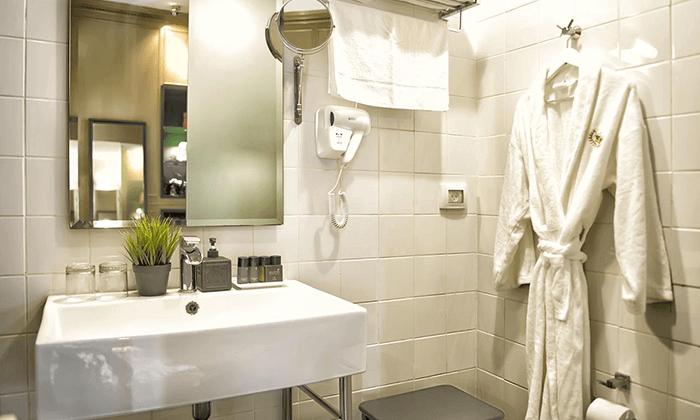 """7 מלון בוטיק מונטיפיורי 16 - חופשה אורבנית בת""""א"""