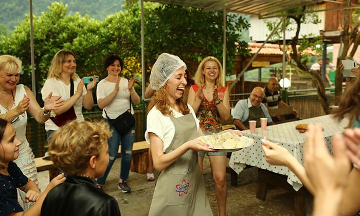 8 סדנת בישול בבטומי גאורגיה - חצ'אפורי, חינקלי, צ'אצ'ה ועוד