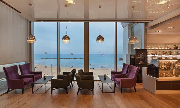 6 ערב פינוק עם עיסוי וספא במלון קראון פלאזה, תל אביב