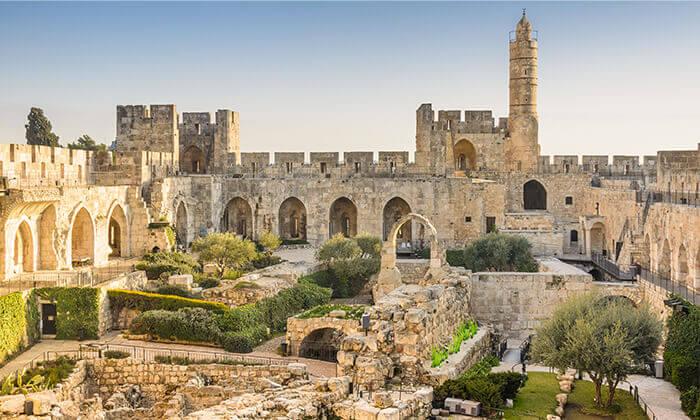 4 ג'רוזלם סיטי טור - סיור באוטובוס קומותיים פתוח בירושלים