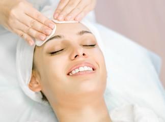 טיפול פנים אצל מריה אטוס