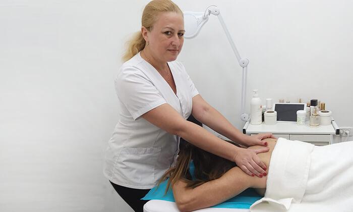 3 עיסוי לבחירה ב-Beauty Clinic Maxia, אשדוד