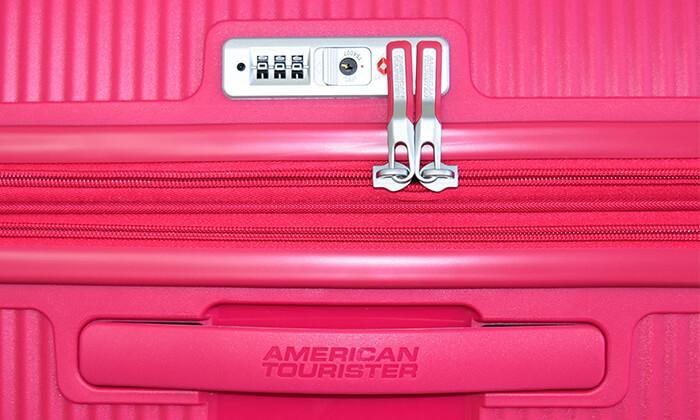 8 מזוודה קשיחה