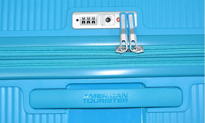 9 מזוודה קשיחה