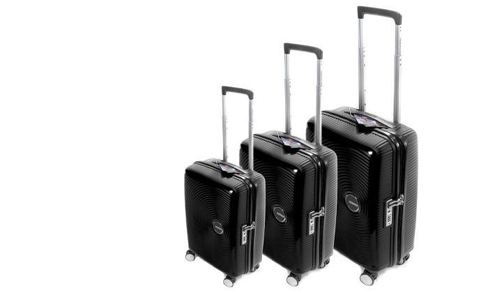 4 מזוודה קשיחה