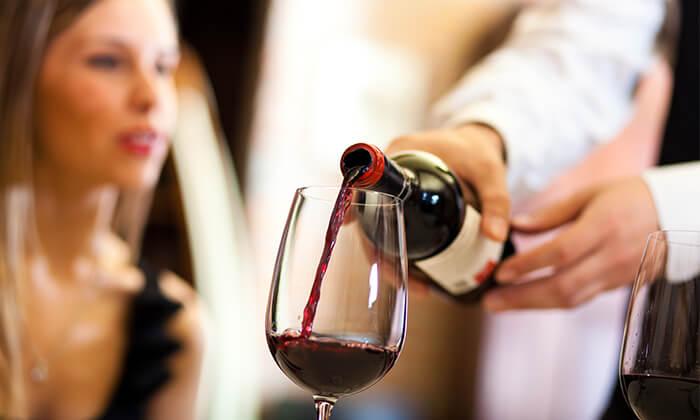 5 סדנאות יין בבית 'איש הענבים' - יפו
