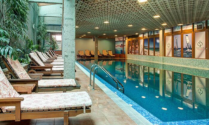 5 חבילת סקי בבנסקו - מלון Perun & Platinum Casino