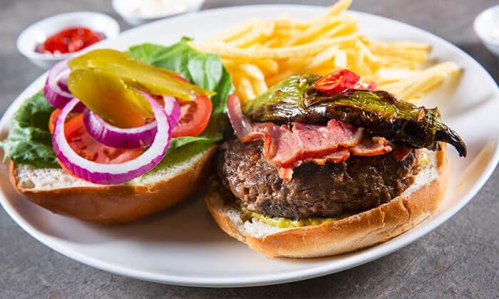 3 ארוחת המבורגר זוגית במסעדת רוטשילד 99, ראשון לציון