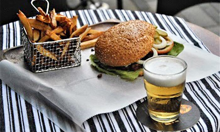 2 ארוחה זוגית טבעונית כולל קינוח בבר-מסעדה ALF, חיפה