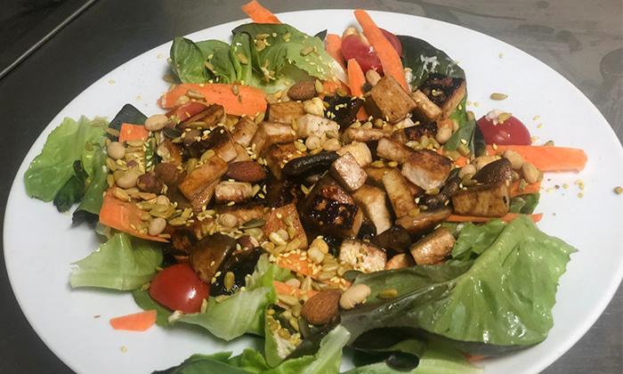 8 ארוחה זוגית טבעונית כולל קינוח בבר-מסעדה ALF, חיפה