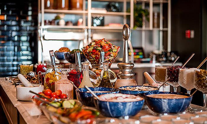6 ארוחת בוקר-בופה לזוג במלון בוטיק טריפ, ירושלים