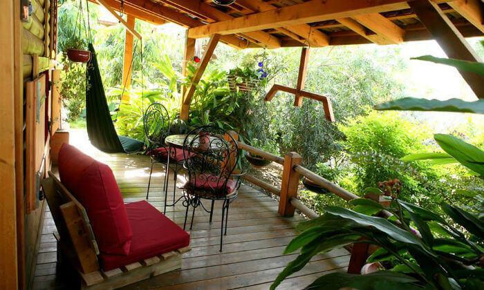 3 חופשה בבקתות עץ בסגנון הודי - מושב רמות