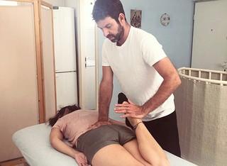 טיפול שיאצו אצל אמיר מינץ