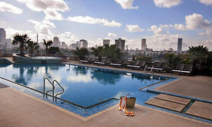 3 ארוחת צהריים במלון לאונרדו סיטי טאוור, רמת גן