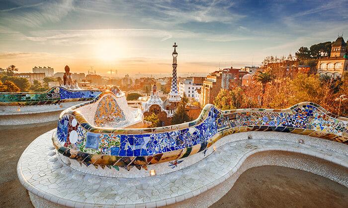 2 חופשה בברצלונה - מלון על שדרת לאס ראמבלס המפורסמת, כולל חנוכה