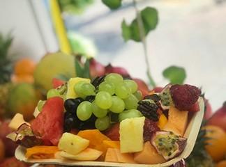 מגש פירות ממיצי בוגרשוב