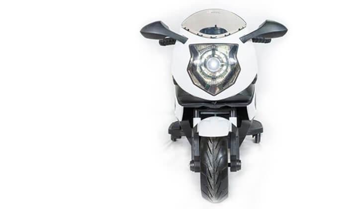 3 אופנוע ממונע עם גלגלי עזר לילדים