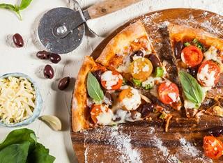 פיצה אישית ושתייה ב'דונטלו'