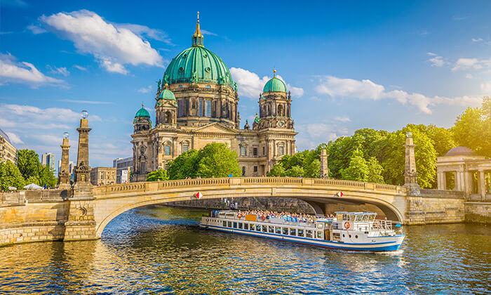8 טיול חורף בברלין לקבוצות קטנות - עד 8 אנשים ברכב