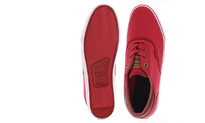 15 נעלי סניקרס לגברים ליוויס LEVI'S