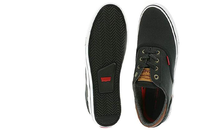 16 נעלי סניקרס לגברים ליוויס LEVI'S