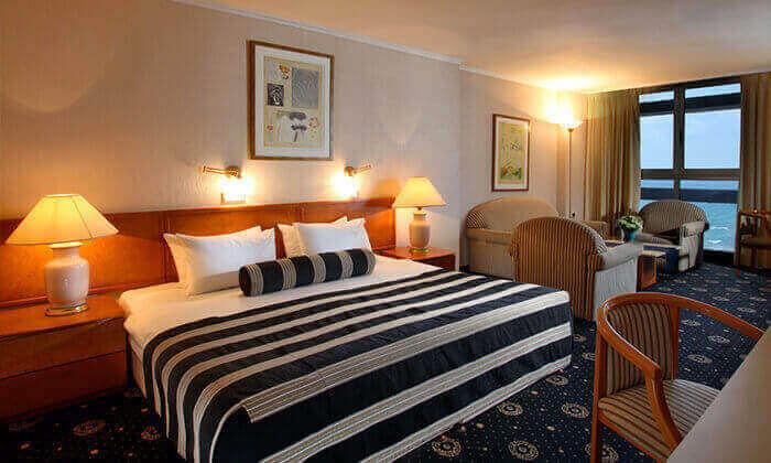 4 מלון העונות נתניה, כולל עיסוי/סרט/חמי געש