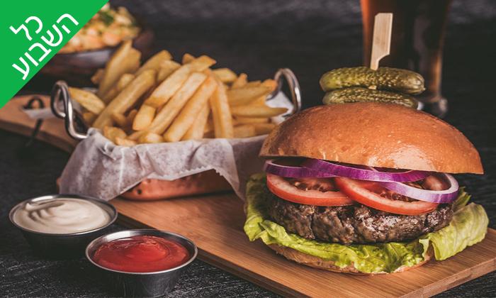 4 ארוחת המבורגר זוגית במסעדת השדרה 34 - שדרות בן גוריון, תל אביב