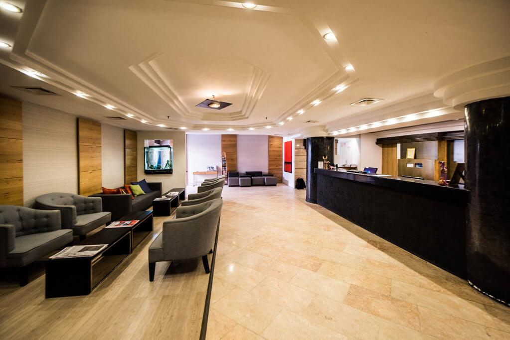 10 מלון מונטיפיורי ירושלים, כולל סיור חנוכיות