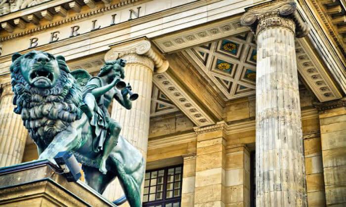 3 להכיר את ברלין מקרוב: מגוון סיורים מודרכים בעברית