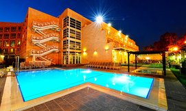 מלון בי יוניק אילת, כולל סופ