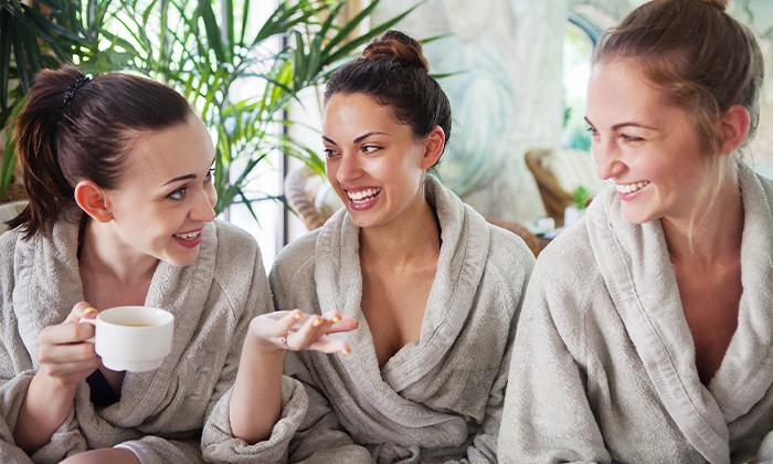 2 יום כיף וספא במגוון בתי מלון ברחבי הארץ, כולל כרטיס רגיל או VIP לסינמה סיטי