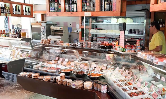 5 שובר הנחה לגבינות, נקניקים ואוכל מוכן ממעדני מזרע במרכז שוסטר - רמת אביב