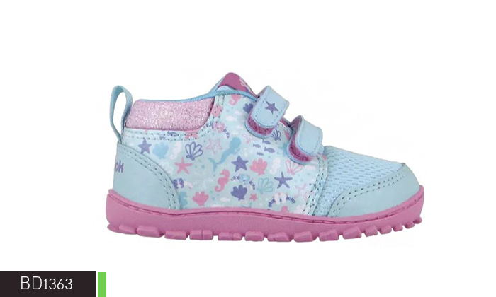12 נעלי Adidas ו-Reebok לילדים ונוער
