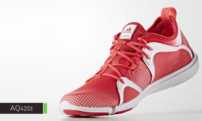 12 נעלי נשים אדידס adidas