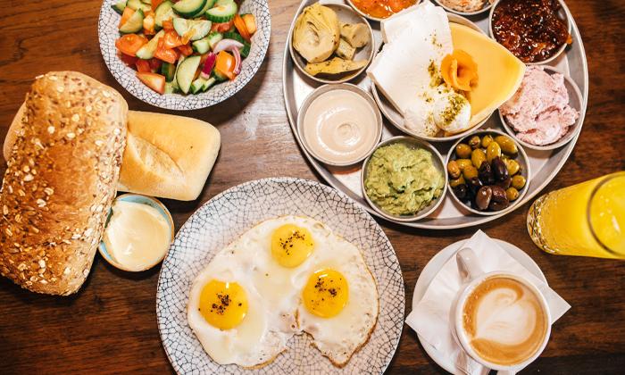 2 ארוחת בוקר זוגית במסעדת תלסהTALASSA, בת ים