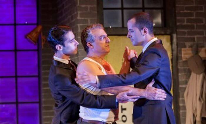 2 הקומדיה משפחה עליזה בתאטרון הבימה