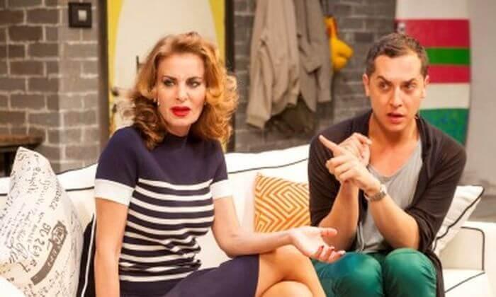 5 הקומדיה משפחה עליזה בתאטרון הבימה