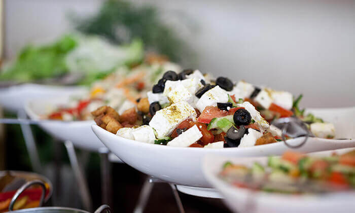 3 ארוחת בוקר בופה במלון Bay View חיפה