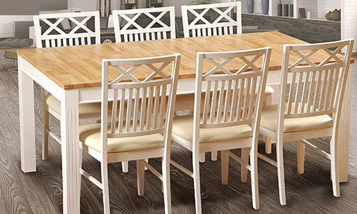 3 שמרת הזורע: פינת אוכל עם כסאות