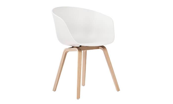 3 כסא בעיצוב מעוגל